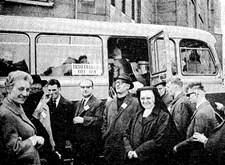 Met Licht en Liefde op busreis (1963)