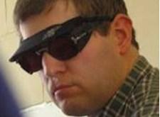 Een bril voor lichtschuwe mensen
