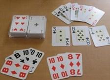 Speelkaarten met groteletterdruk of braille
