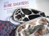 De cadeauversie van 'Rare snuiters', met de speciale blinddoekjes